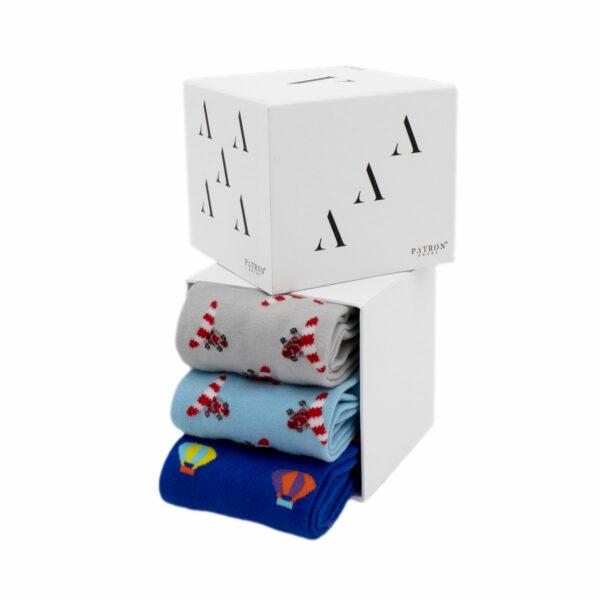 """Mehrfarbige lustige Geschenkbox """"Flight"""" mit bunten Socken von PATRON SOCKS"""