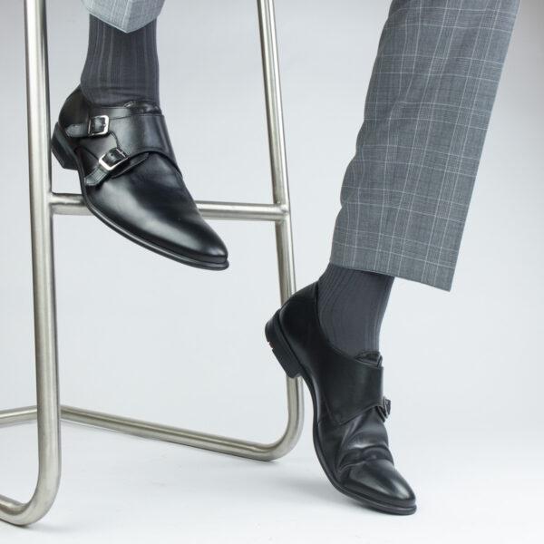 anthrazit Farben gerippte Socken im Schuh