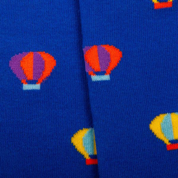 "Verrückte blaue bunte Männer Socken ""Heißluftballon"" von PATRON SOCKS Nahaufnahme"