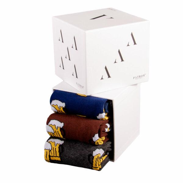 Mehrfarbige lustige Socken mit Bier Motiven von PATRON SOCKS in einer Geschenkbox