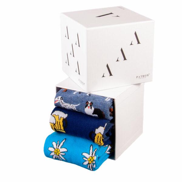 """Mehrfarbige lustige Geschenkbox """"Outdoor"""" mit bunten Socken von PATRON SOCKS"""