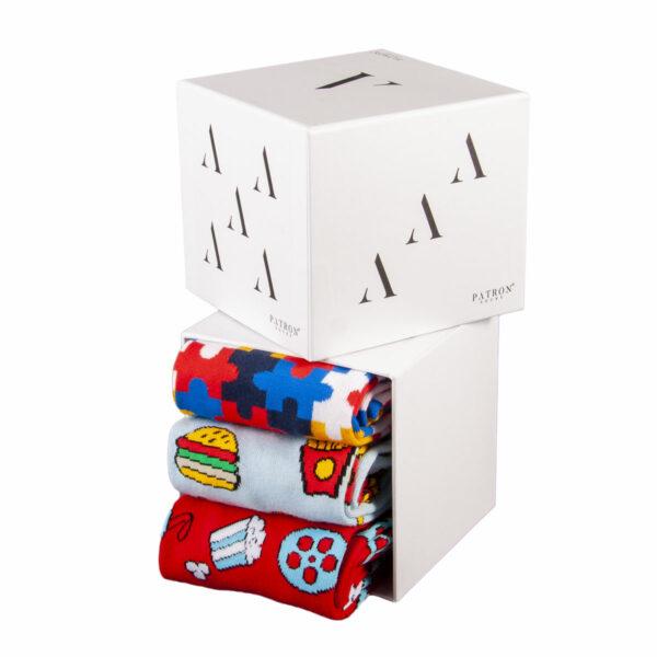 """Mehrfarbige lustige Geschenkbox """"Date Night"""" mit bunten Socken von PATRON SOCKS"""