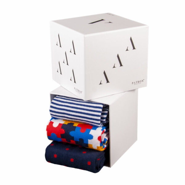 Mehrfarbige lustige Socken mit Pussel, Streifen und Punkte Motiven von PATRON SOCKS in einer Geschenkbox